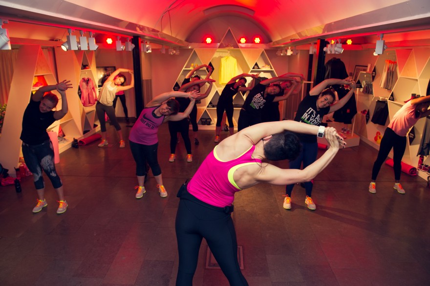 hög klass ledsagare knädans i Stockholm