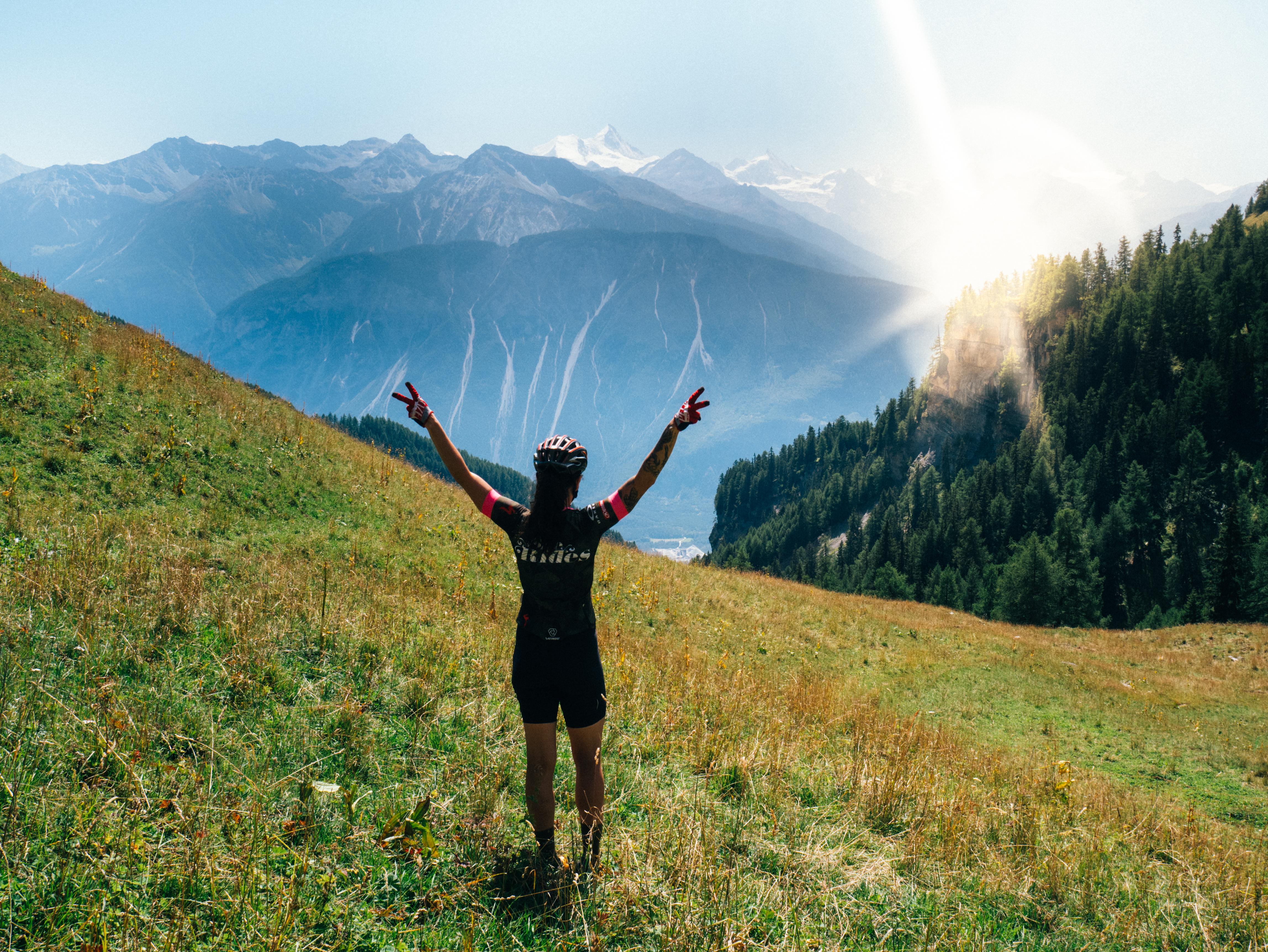 Cykla i alperna i sommar med She Rides – infoträff och AW